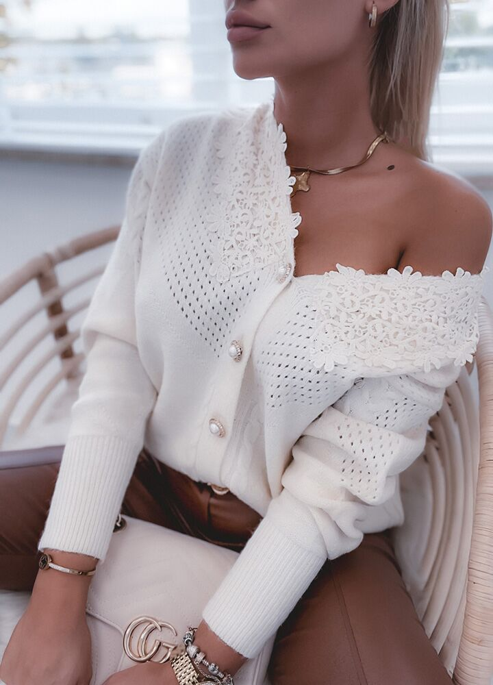 SWETER PEARLS BUTTONS